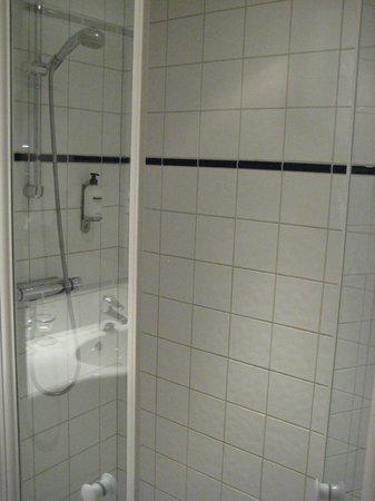 Scandic Klara:                   シャワーのみ
