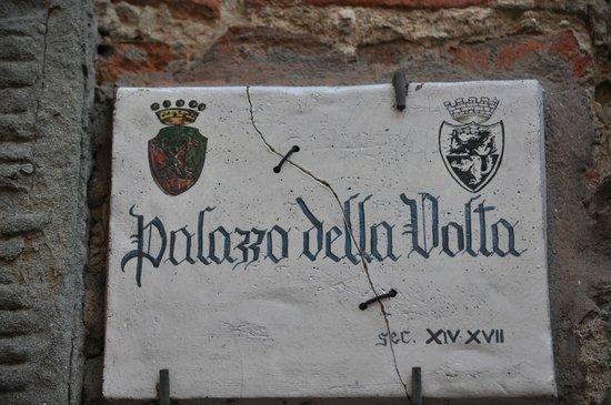 Fucecchio, Italia:                                     Palazzo Della Volta