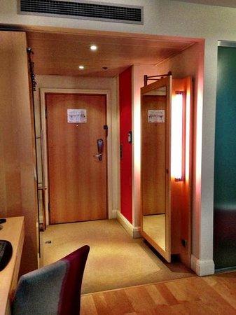 Le Meridien Vienna:                                     Entry.