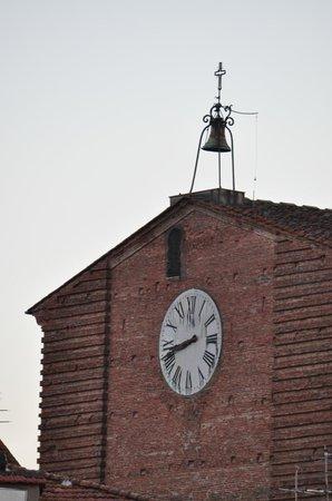 Fucecchio, Italia:                                     San Giovanni Battista (la Collegiata) particolare della facc