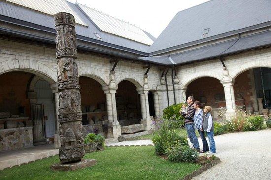 Musee de Perigord:                                     La cour intérieure du MAAP