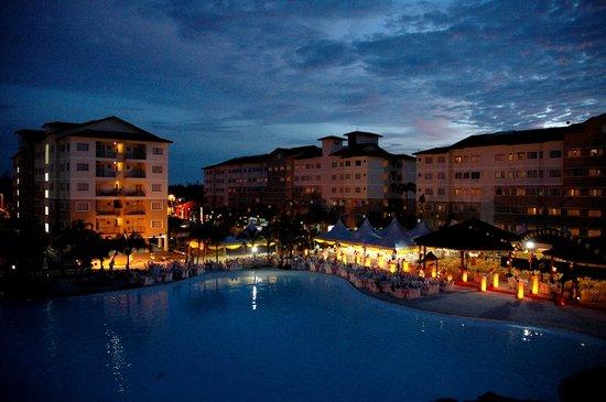PRIMALAND Port Dickson Resort & Convention Centre (PRCC) : Night view of PRIMALAND Resort & Convention Centre (PRCC)