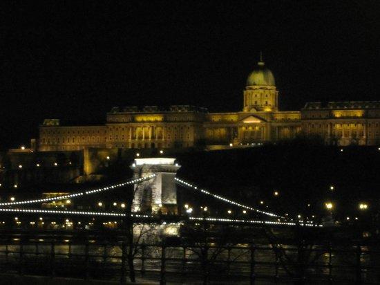 أوبرا جاردن هوتل آند أبارتمينتس:                   Vue magnifique sur Budapest                 