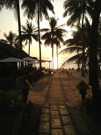 Mai House Resort:                                     sunset at Mai House                                  