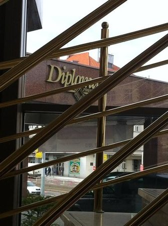 Vienna House Diplomat Prague:                   Diplomat hotel indgang