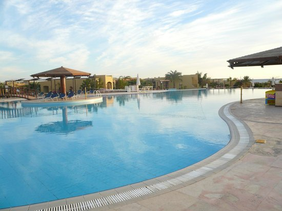 Three Corners Fayrouz Plaza Beach Resort: pool