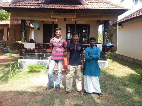 Maadathil Cottages: the cottage crew