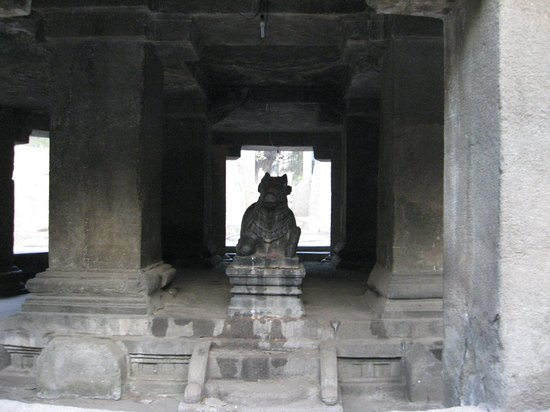 Pataleshwar Cave Temple:                   Nandi Temple opposite to the entrance to the caves