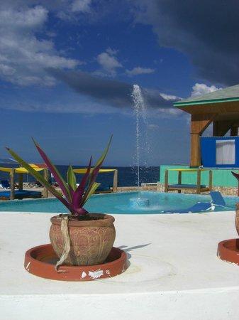 Samsara Cliffs Resort:                   Poolansicht