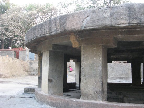 Pataleshwar Cave Temple:                   View from outside
