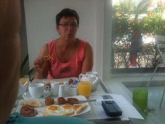 White Mansion: petit déjeuner parfait