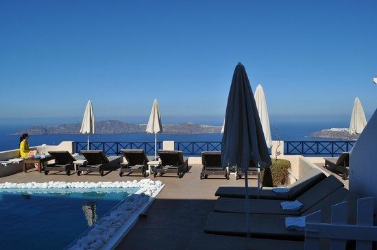 Afroessa Hotel:                   Fantastisk pool och relax.