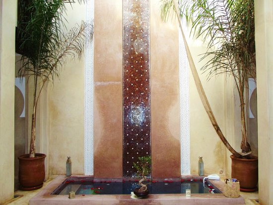 Riad Pourpre Médina:                   hall