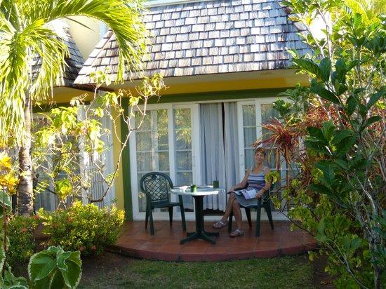 Coco Palm Resort:                   Room 125