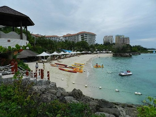 Shangri-La's Mactan Resort & Spa:                   Great View from the Jetty