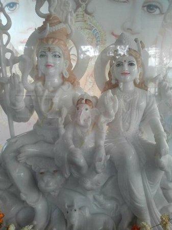 Jalaram Temple:                                     Shri Uma Shankar & Ganeshji