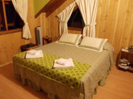 Hosteria Brisas del Cerro:                   Foto de la habitación luego del servicio de cuarto