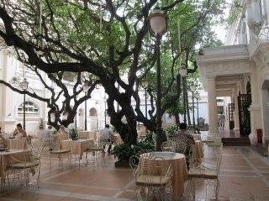Hotel Continental Saigon:                   breakfast in garden