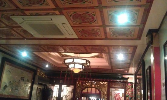 Son Hao :                   the restaurant contains many chinese elements in decoration~