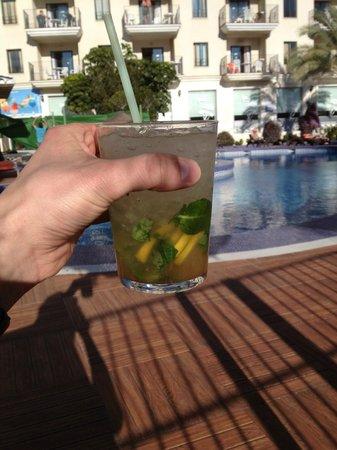 بينالمادينا بالاس:                   mojito cocktail (3,-)                 