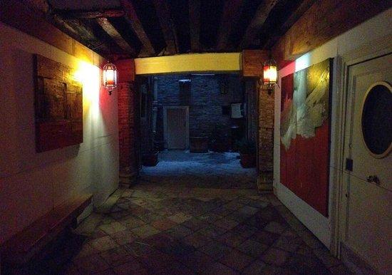 Hotel San Samuele:                                     ingresso