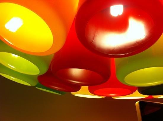 Color Design Hotel: lampadario hall