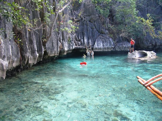 Coron Bay: going to twin peak lagoon