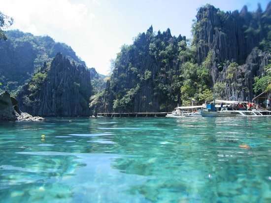 Coron Bay: twin peak lagoon
