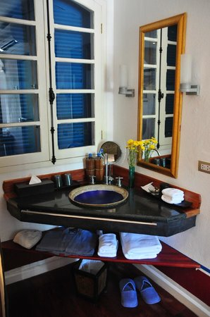 The BelleRive Boutique Hotel:                   bathroom -- superior room without balcony