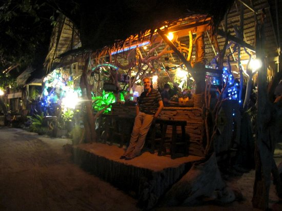 Phi Phi Island Village Beach Resort:                   Oasis, Restaurant in the Village