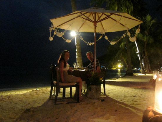 Phi Phi Island Village Beach Resort:                   Private Beach Dining