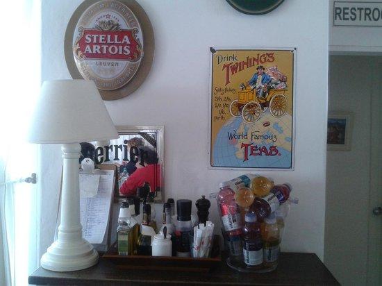 "Flo Cafe & Bar : Rinconcito ""vintage"""