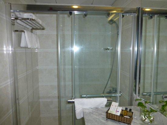 T.Espoir Saigon Hotel:                   bath