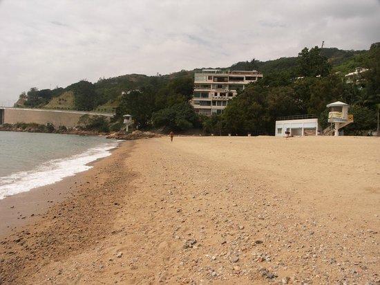 Royal View Hotel:                   Пляж Royal View (вечно пустынный и со всеми бесплатными удобствами круглые сут