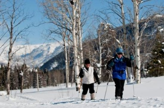 Vista Verde Guest Ranch: Skiing, snowshoeing, tubing, and sleigh rides are all part of winter vacations at the ranch