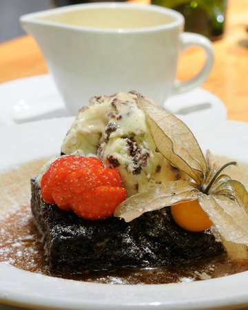 The Moors Inn: Homemade chocolate brownie