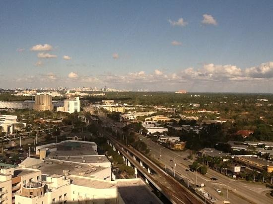 Miami Marriott Dadeland:                   View from Concierge lounge.....