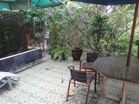 LadyBamboo Villa:                   Teil der Terrasse