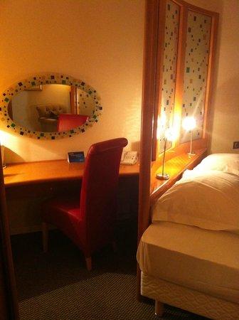 Radisson Blu Hotel, Manchester Airport: room