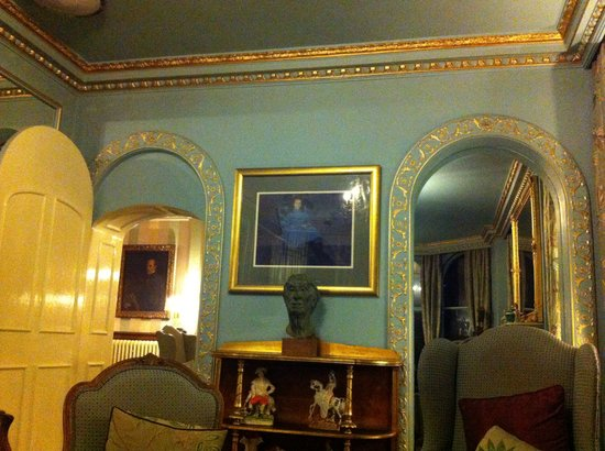 Portmeirion Village: Lounge