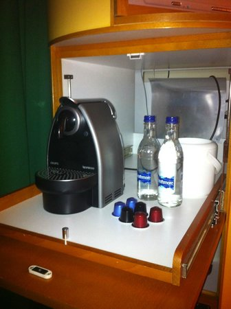 Radisson Blu Hotel, Manchester Airport : coffee machine