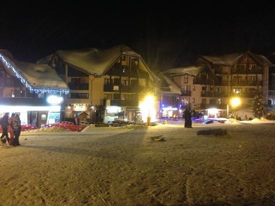Valmeinier, Frankreich:                   front de neige
