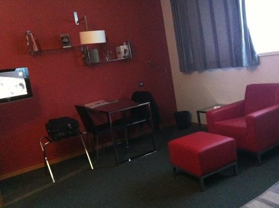 Aparthotel Atenea:                   zona sofá
