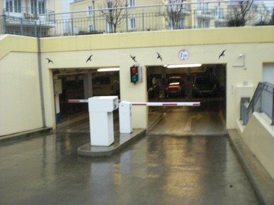 Kaiser Spa Hotel zur Post:                   Tiefgarageneinfahrt