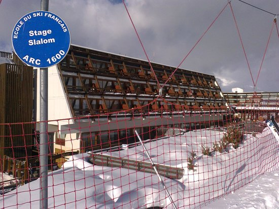 La Cachette Hotel:                   Balconies overlooking the piste.