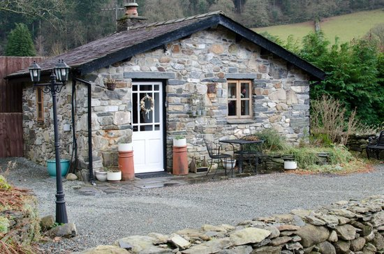 Dolweunydd Bed & Breakfast:                   View of the cottage
