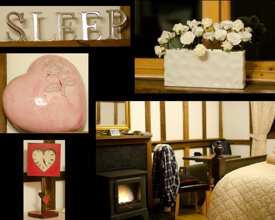 Dolweunydd Bed & Breakfast:                   Inside cottage 2