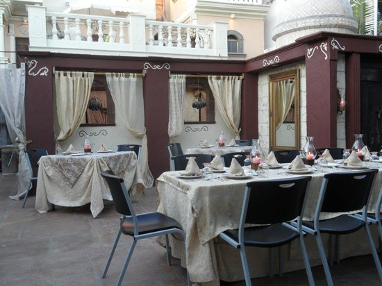 Casa Teresa Ristorante Italiano:                   View from our corner table ( avoid, it's nearest to the kitchen)