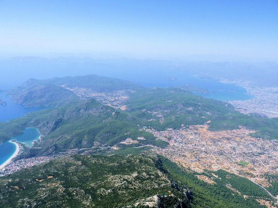 Re Action Paragliding:                                                                         You can see Oludeniz (le