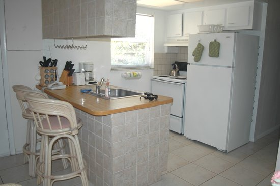 Sunny Place: Fully-equipped kitchens